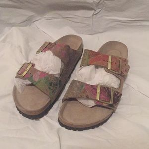 Gorgeous Birkenstock new double buckle sandals